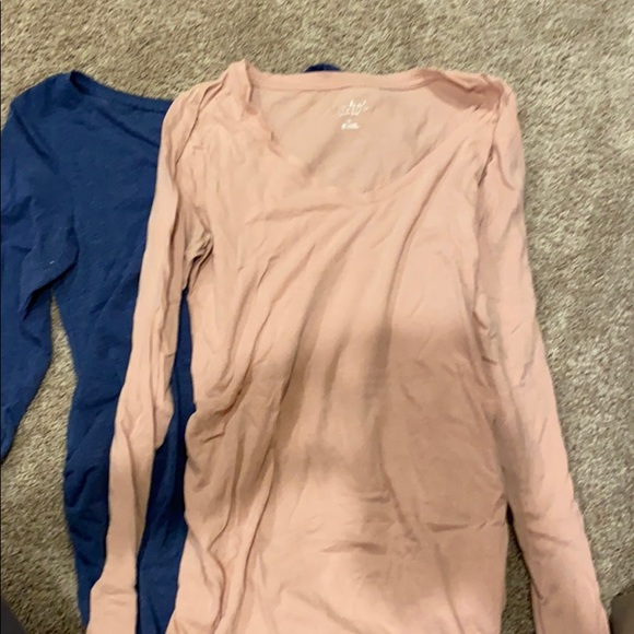 Lot of two maternity tops xs and S